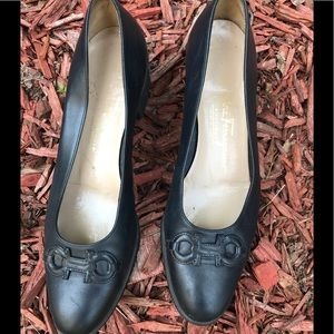 Ferragamo midnight low heeled pumps.